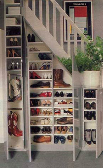 rangement chaussures au mur