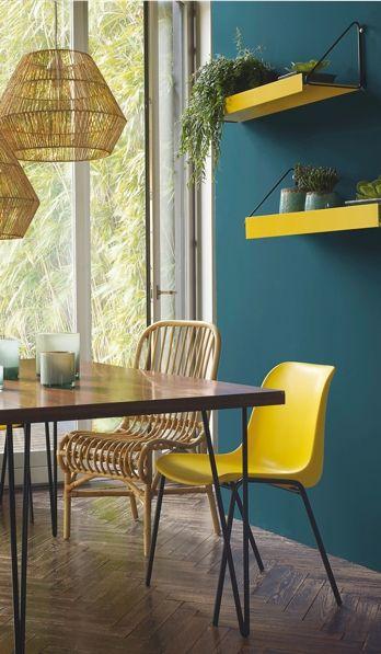 ambaince tropicale jaune et bleue