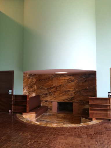 villa-Cavrois-Salon-vert-cheminée