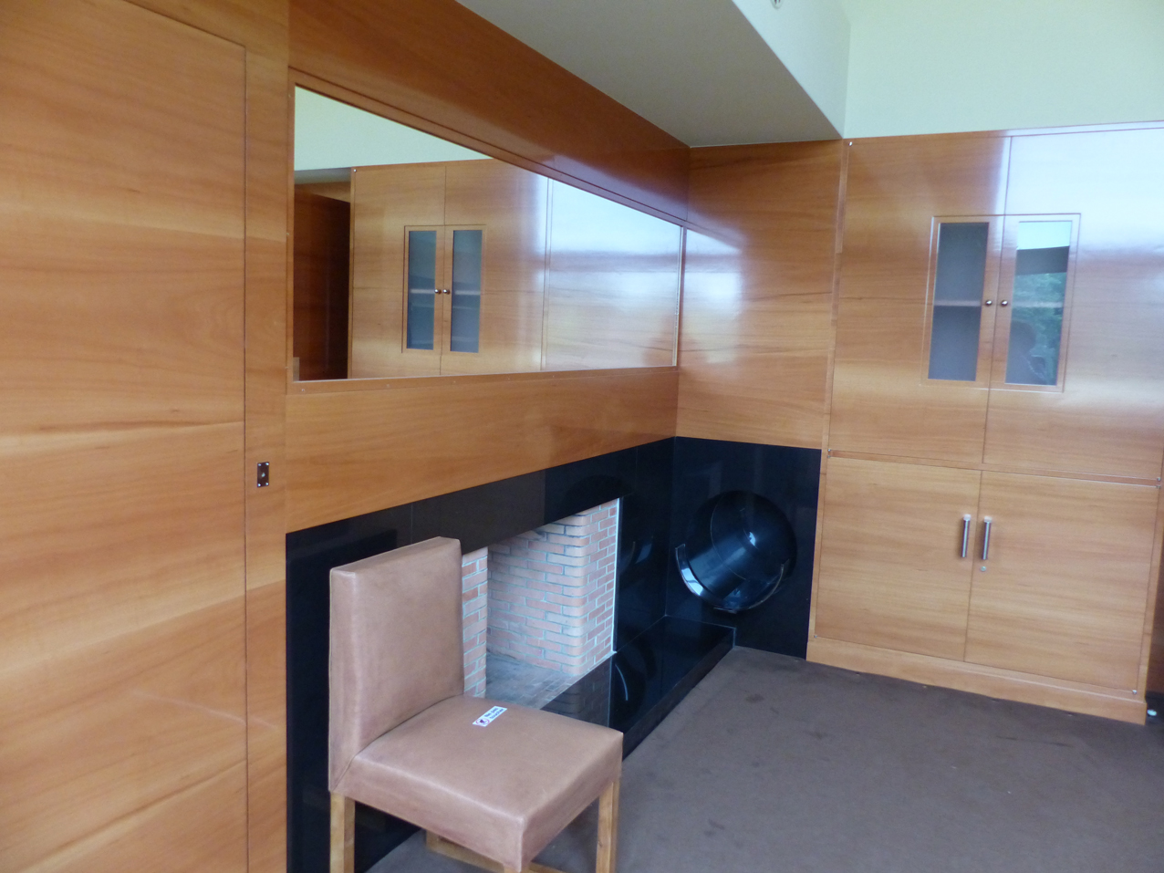 villa-Cavrois-petit-salon-bois